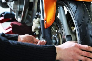 Технический осмотр мотоцикла
